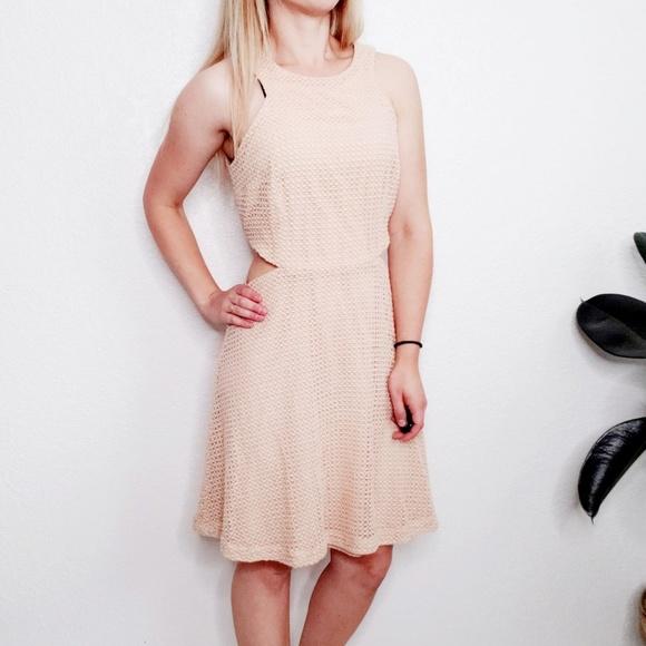 Club Monaco Dresses & Skirts - Club Monaco Peach Knit Lace Cut Out Mini Dress 328